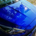 Ein dunkelblauer Ford Fokus ST Turnier